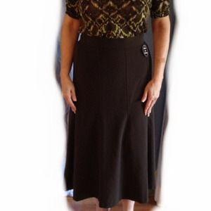 Brown sliming skirt
