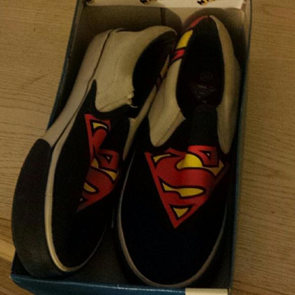 ba305445d6 Superman Vans. M 53c9b409b539e4651815a1f8