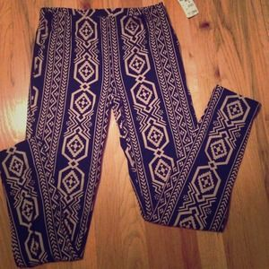 🌙🌞Black and beige tribal print pattern leggings