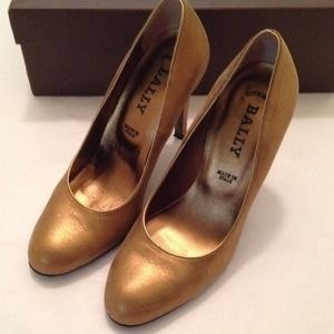 Auth Bally bronze Zerene pumps
