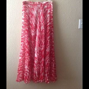 Red & white fully pleated & lined maxi skirt