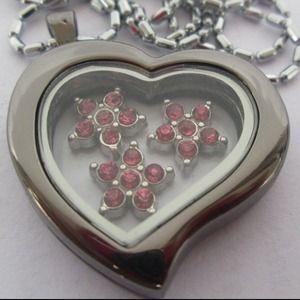 Jewelry - New Heart metal heart shaped floating locket.