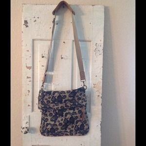 Great camouflage cross body canvas bag