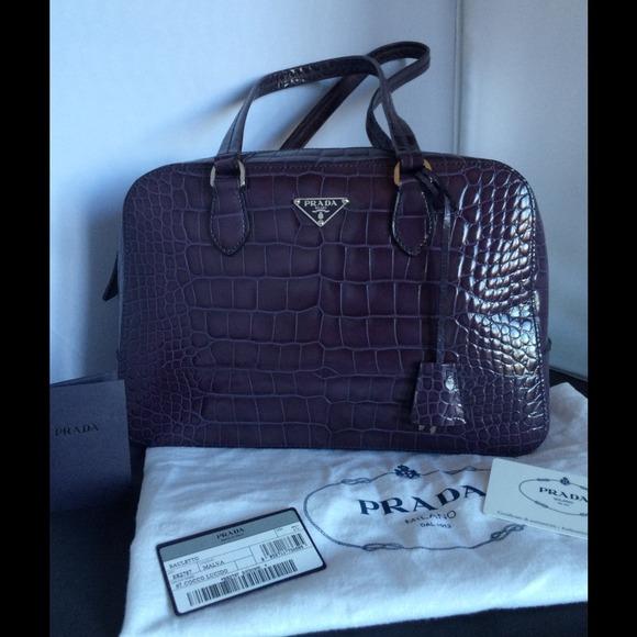 Authentic Prada St Cocco Lucido Bauletto handbag. M 53cae08efab83611df1faaf1 1fa6978e8a