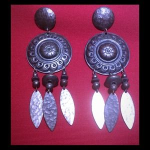 Jewelry - 🎉HP🎉Hand Hammered Metal Dangle Post Earrings
