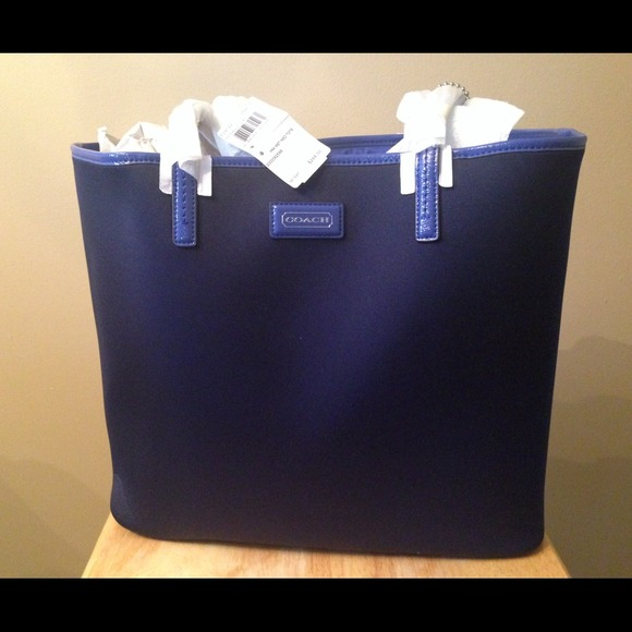 Navy Blue Large Tote Coach Bag!〽️Price Lowered! 8cb13b0f1324f