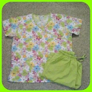 🎉HP 9/20/14🎉 2pc. Froggy Nursing Scrub Pant Set
