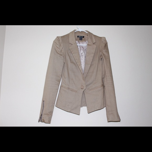 Sold in a bundle-Taupe Blazer (s)