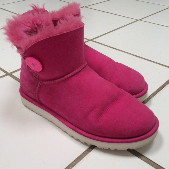 Pink Mini Bailey Button UGGS