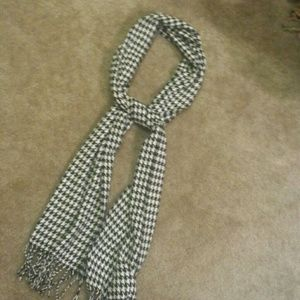 Accessories - Houndstooth print scarf