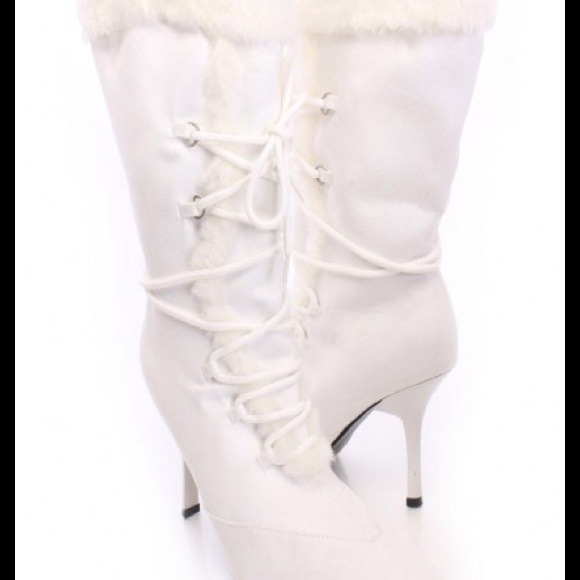 Fur Trim Lace Up Pointed Toe Boots