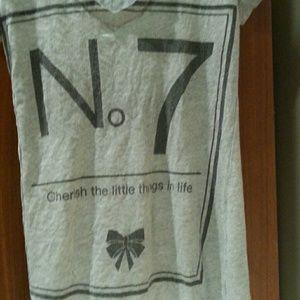 Tops - V neck t-shirt
