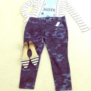 GAP Pants - Host pick!!! Skinny mini blue camo pants by gap
