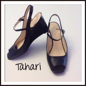 TAHARI Black sling back wedge With open toe