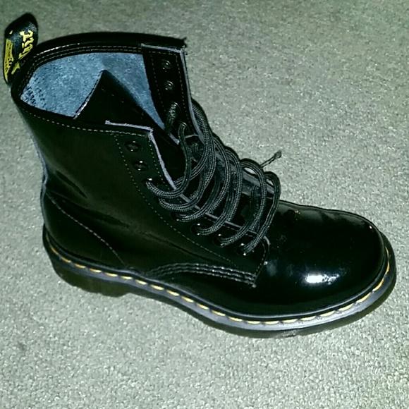 dr martens shoes doc martens black patent leather boots