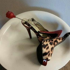 Shoes - SEXY leoprod print heels
