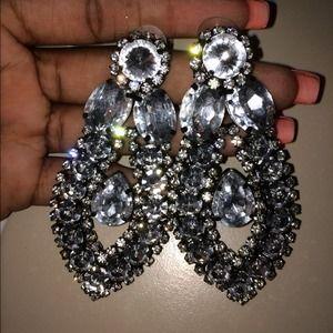Bold statement earrings! Make an offer!