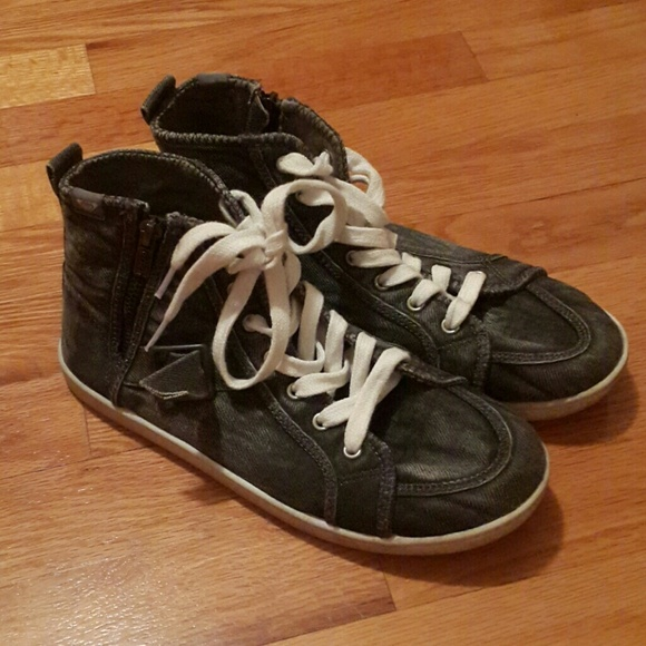 Roxy Castaway High Top Lace Up Sneakers Shoes Womens
