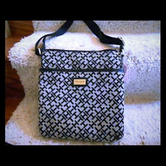 b4a8c73ceab Tommy Hilfiger Bags | Crossbody Bag | Poshmark