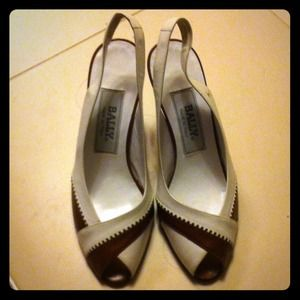 NWT Bally pumps
