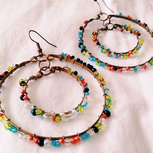 Beaded round dangle earrings