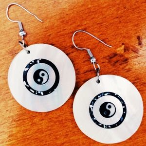 Yin-yang shell dangle earrings