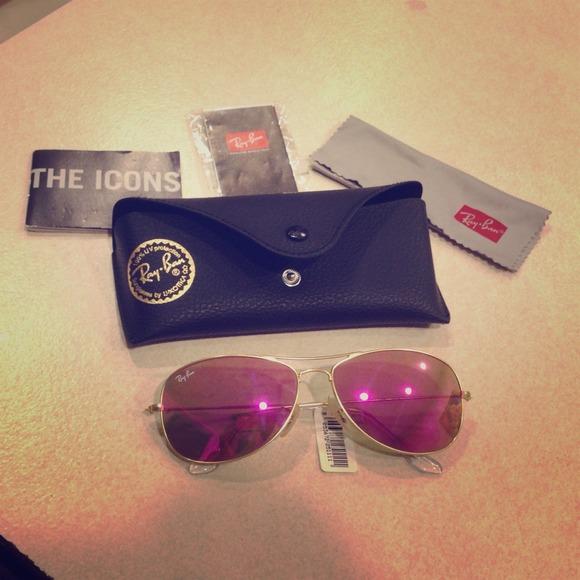e083ac542ad Small frame Ray Ban Aviator sunglasses 👓