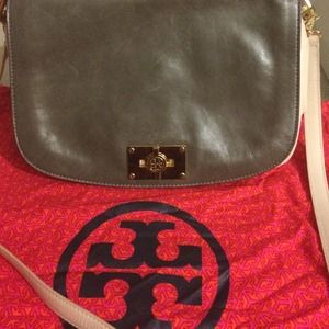 100 percent original Tory Burch messenger bag.