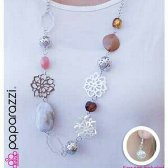 Paparazzi paparazzi necklace from mary 39 s closet on poshmark for Paparazzi jewelry wholesale prices