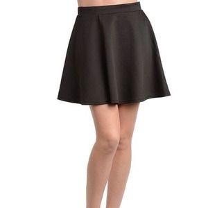 (30% OFF) Black High-Waisted Skater Skirt / L