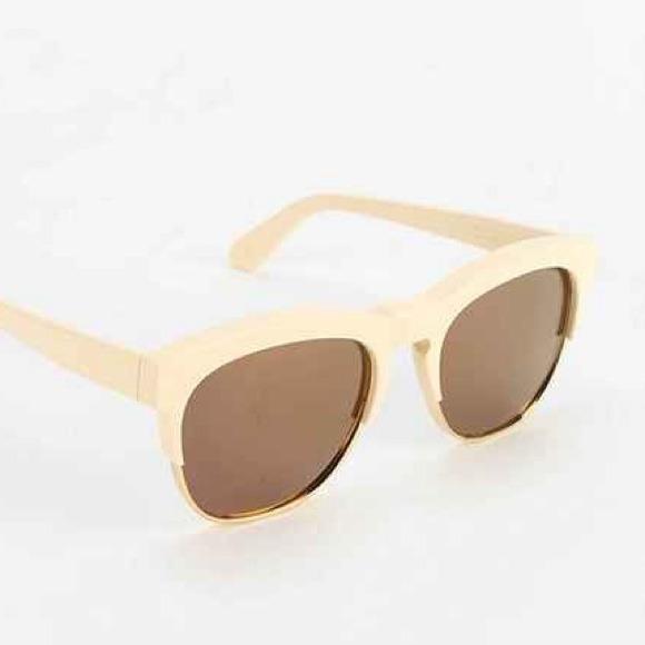 Wildfox Accessories - Wildfox Couture Fox Deluxe Mirrored Sunglasses