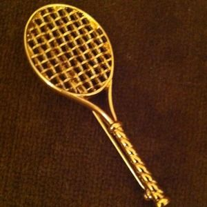 Tennis racket lapel pin