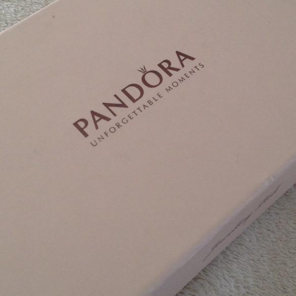 Pandora Jewelry Roll
