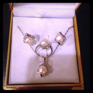 Jewelry - Genuine fresh water pearl Jewelry set nib