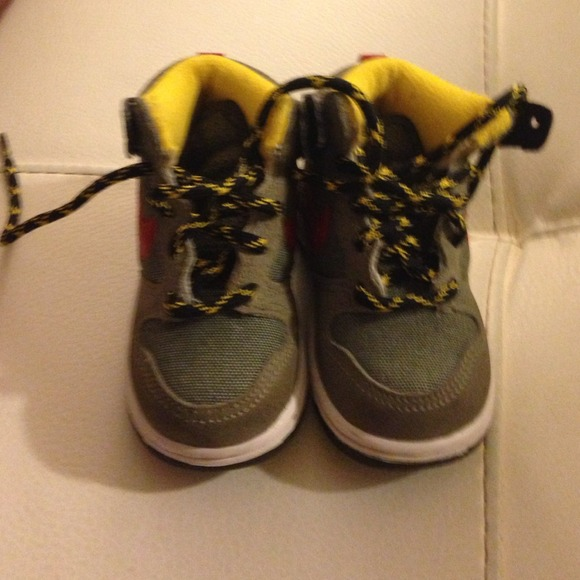off Nike Other Nike hightop toddler sz 5c sneakers