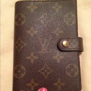 Louis Vuitton Accessories - Authentic Louis Vuitton Agenda PM.