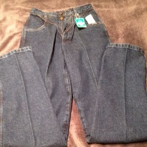  Mountain Rocky blue jeans They are dark Denim
