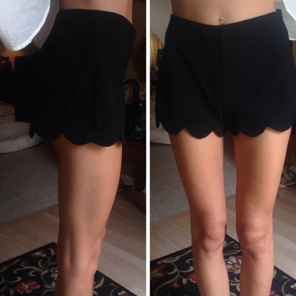 💃PM EDITOR PICK Black High Waisted Scallop Shorts XS from ...