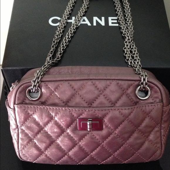 5238e40aa23a CHANEL Handbags - CHANEL Reissue 2.55 Camera Sac