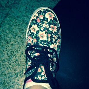 New size 8 flower shoes women
