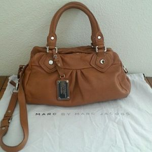 Marc by Marc Jacobs Classic Q Groovee Tan