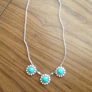 Beautiful turquoise statement necklace 