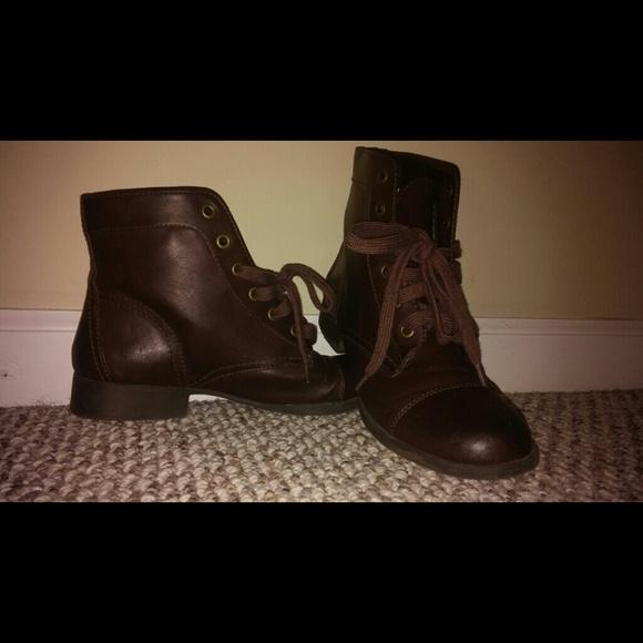 40 black poppy boots black poppy boots from jonee