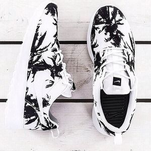 *LOOKING FOR* Nike Palm Tree Roshe Runs
