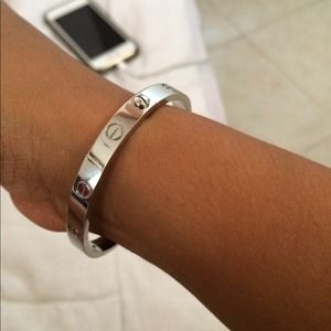 Accessories - Cartier love bangle for sarens