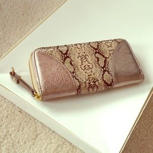 Handbags - NWOT Gold&Snakeskin Wallet