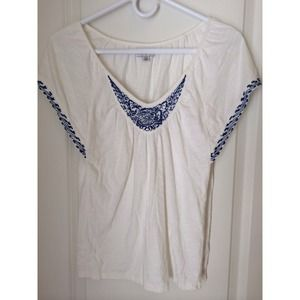 American Eagle cream & blue embroidered top