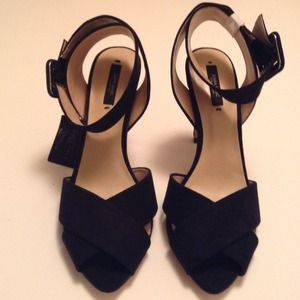 Brand new Zara ankle strap high heel shoes size 9