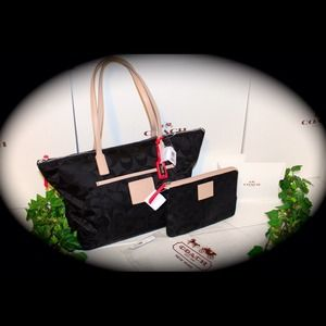 SOLD! 📌SOLD!! 📌SV/BLK) TOTE & MAKEUP POUCH!