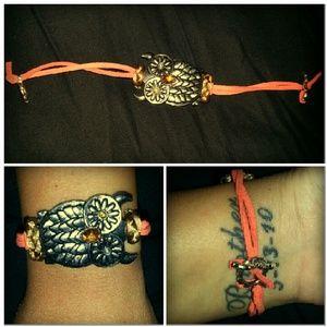 Jewelry - Single owl bracelet